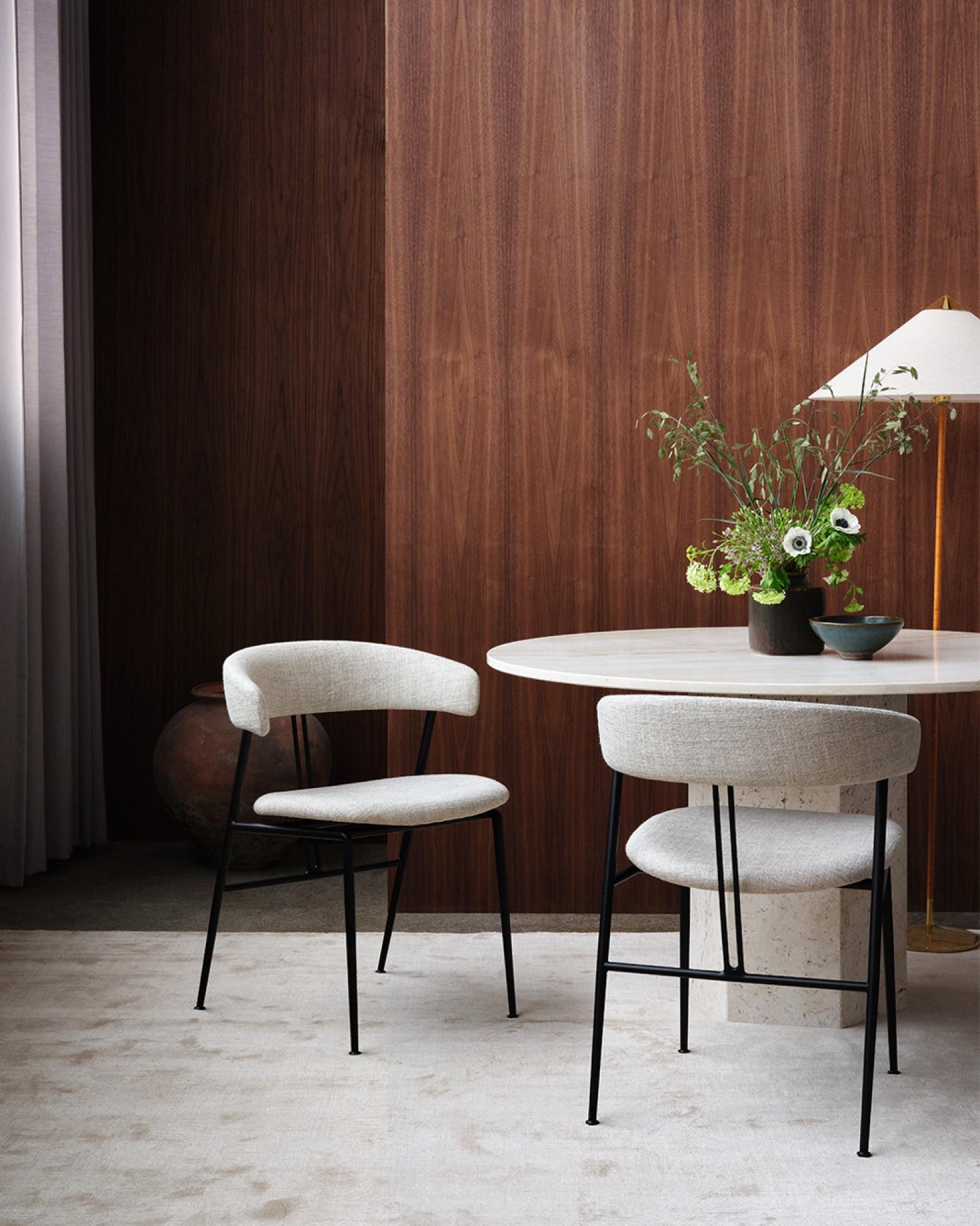 Alweer een succesvolle creatie van GamFratesi voor GUBI: VIOLIN Chair  Victors Design Agency