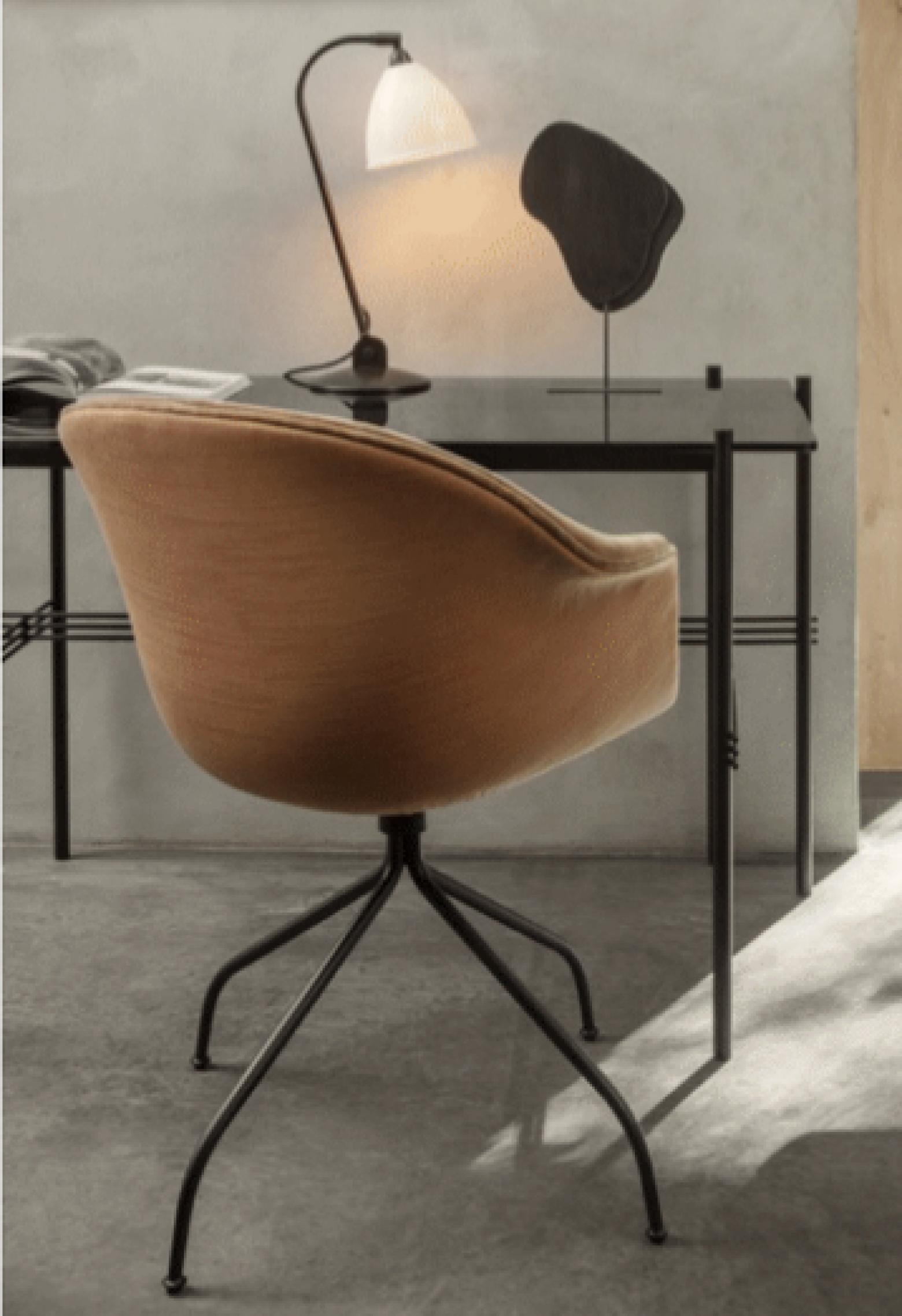 de comfortabele Bat meeting chair swivel base Victors Design Agency