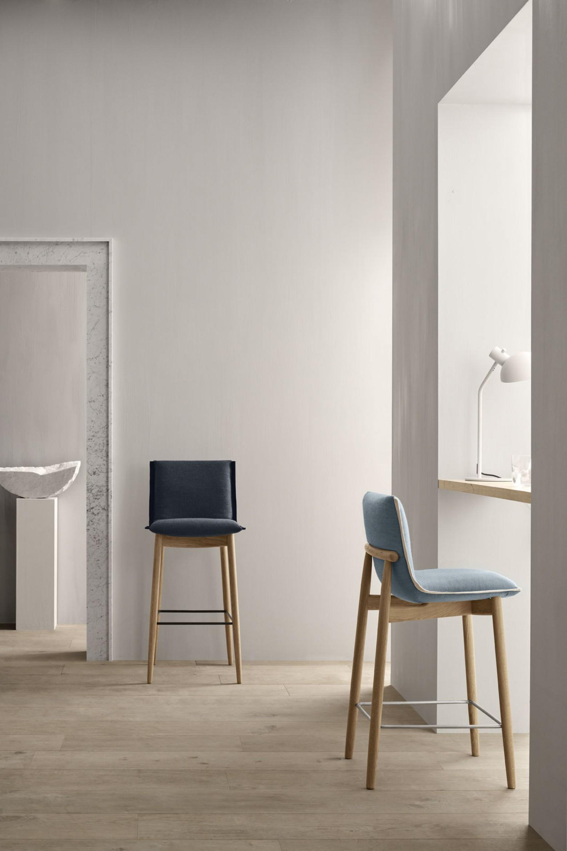 Embrace barstool: nouveau dans la collection Embrace Victors Design Agency