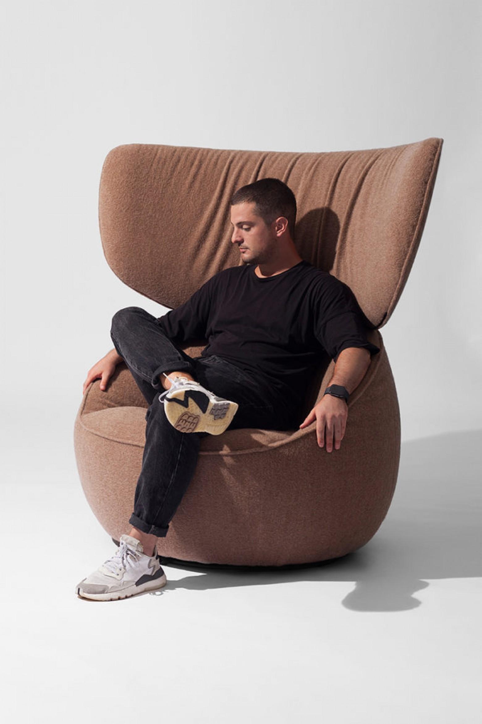 Designer Simone Bonanni in  Victors Design Agency