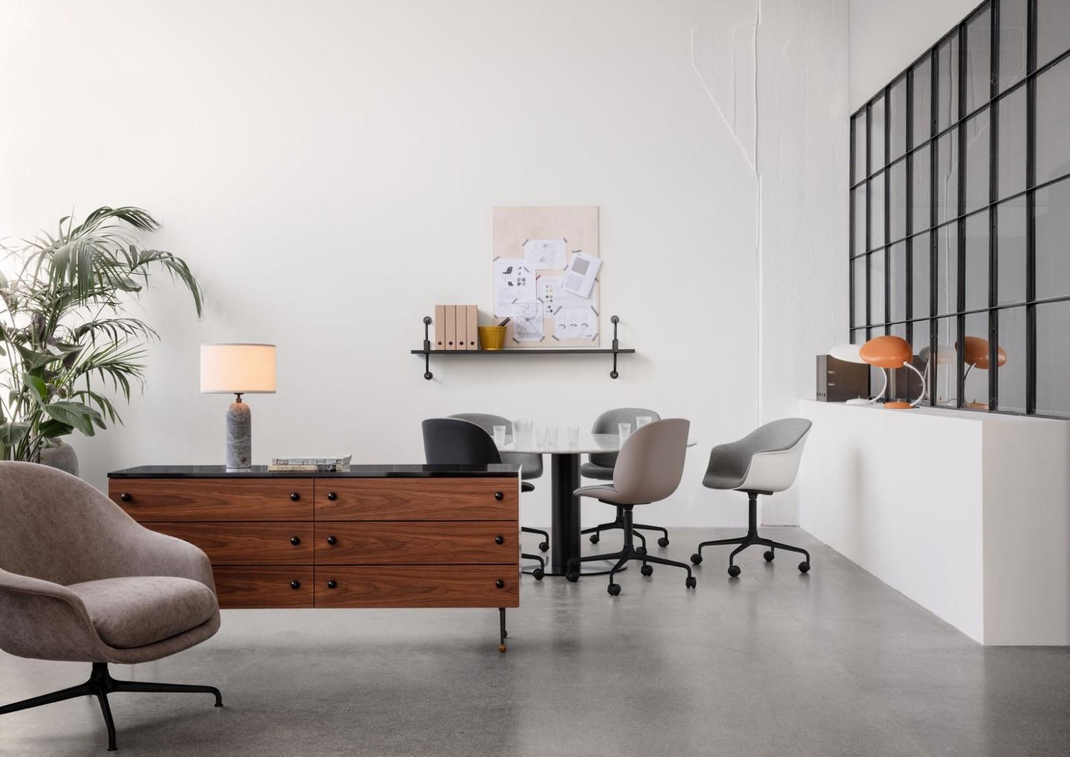 Thuiswerk in stijl met de Gubi collectie Victors Design Agency