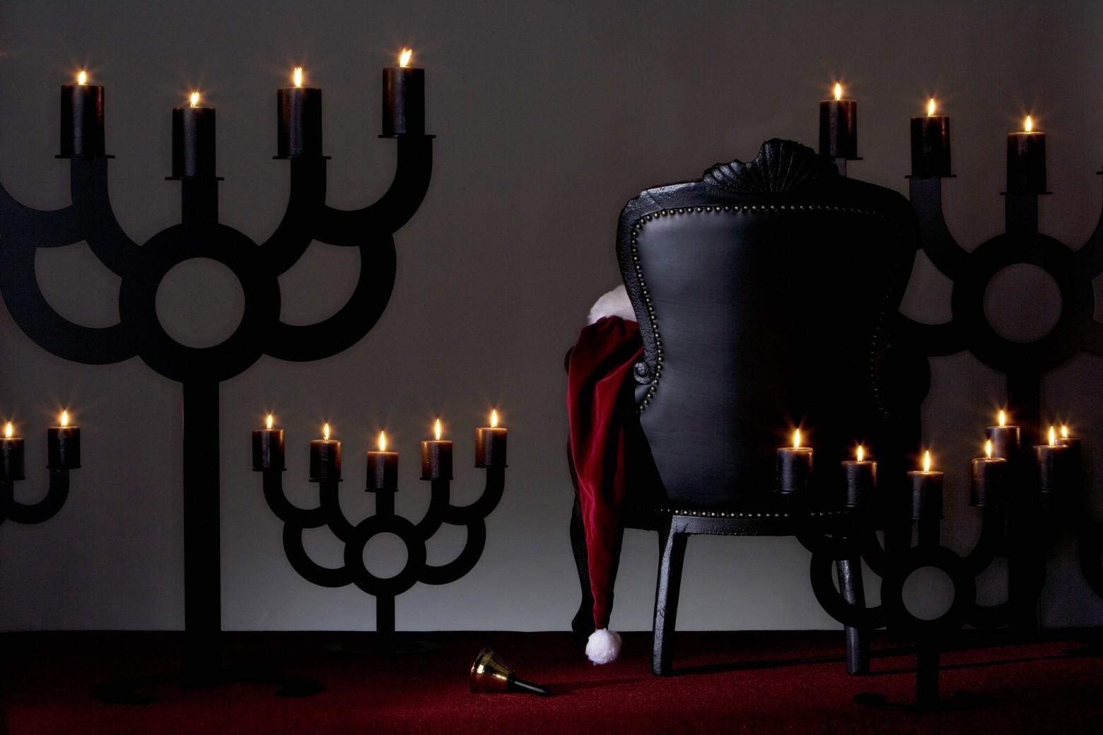 Moooi chandelier Bold manufacturé en métal découpé au laser, laqué noir Victors Design Agency