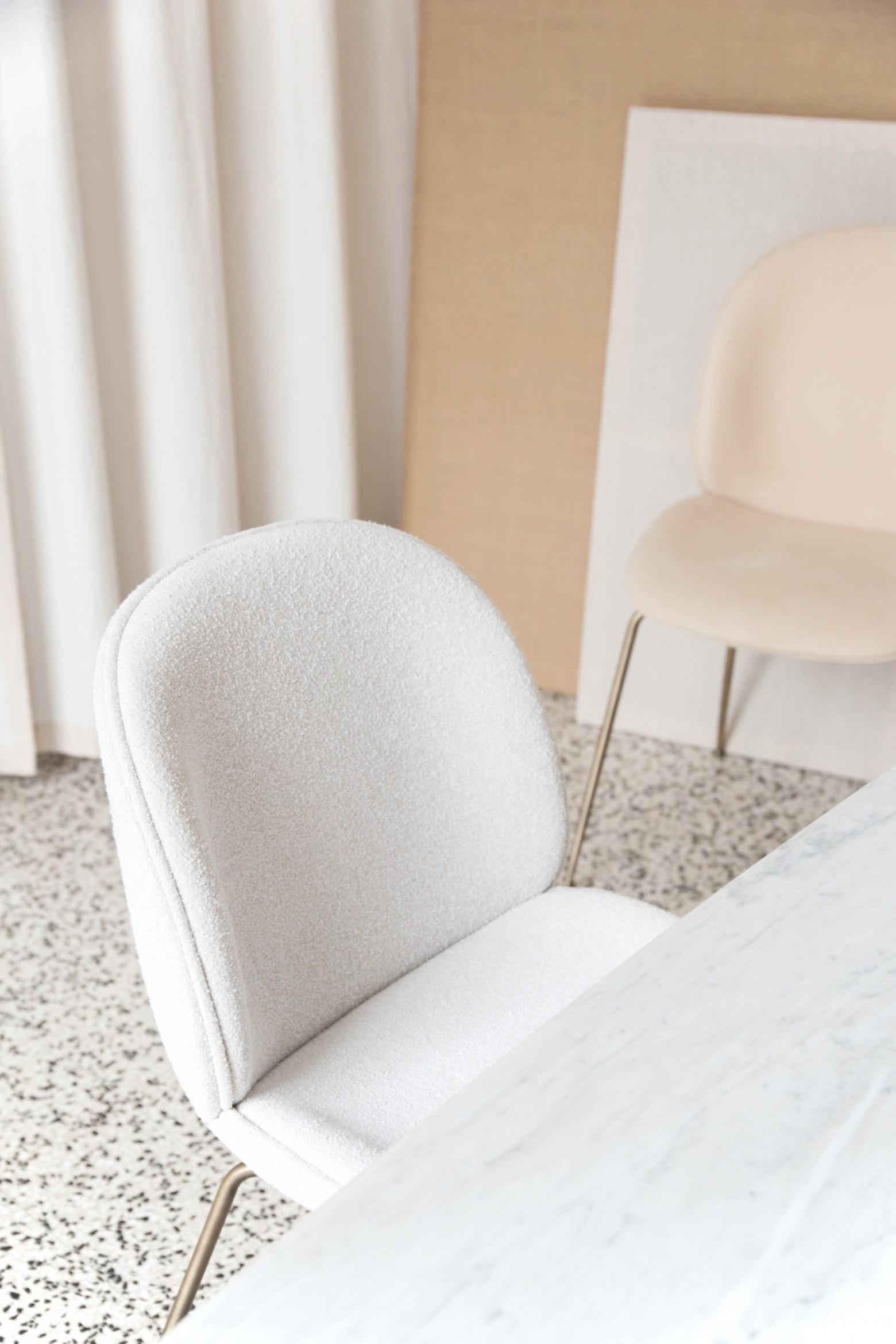 Il n'y a pas de discussion sur l'excellent confort d'assise de la collection Beetle Victors Design Agency