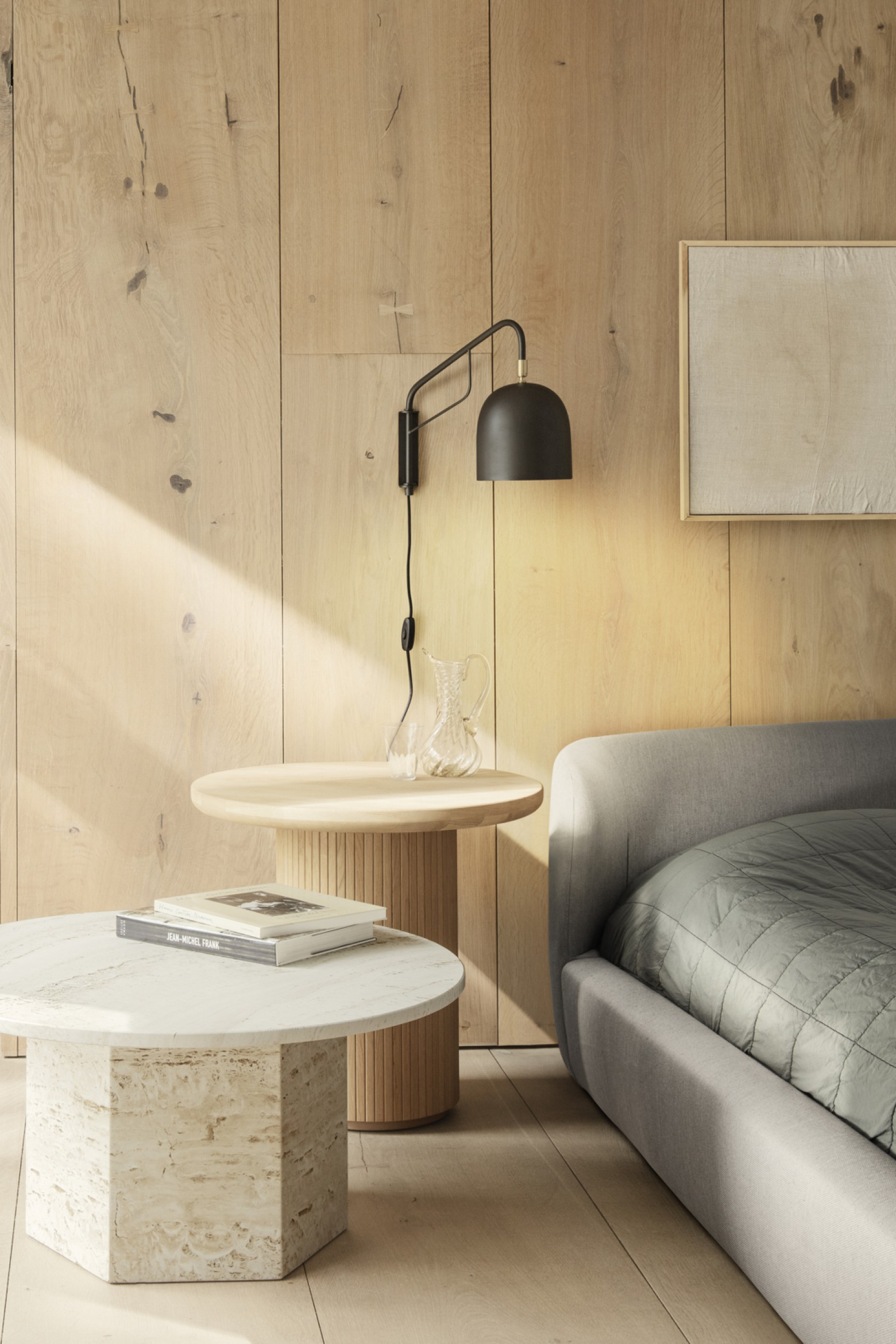 Howard wandlamp met beweegbare arm  Victors Design Agency