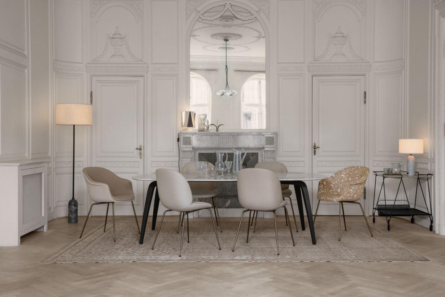 Beetle en BAT- stoelen laten zich onderling gemakkelijk combineren..  Victors Design Agency