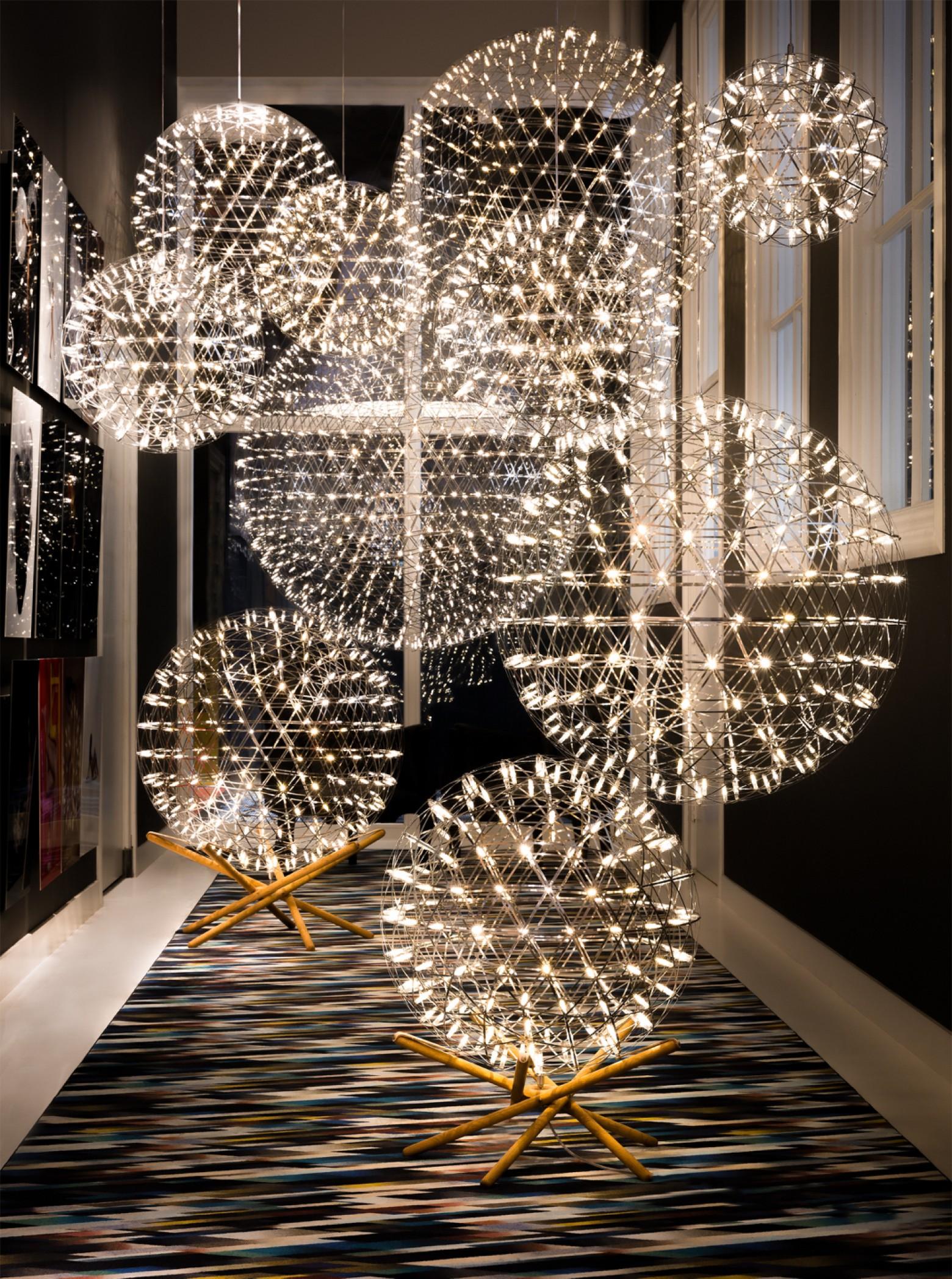 Un technique electrosandwich pour les lampes Raimond Victors Design Agency