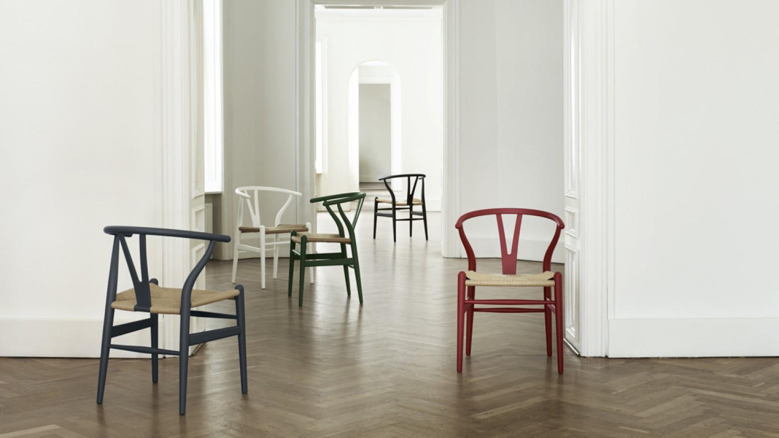 Chaise iconique Wishbone en finition mate: offre temporaire jusqu'à fin mai 2020 Victors Design Agency