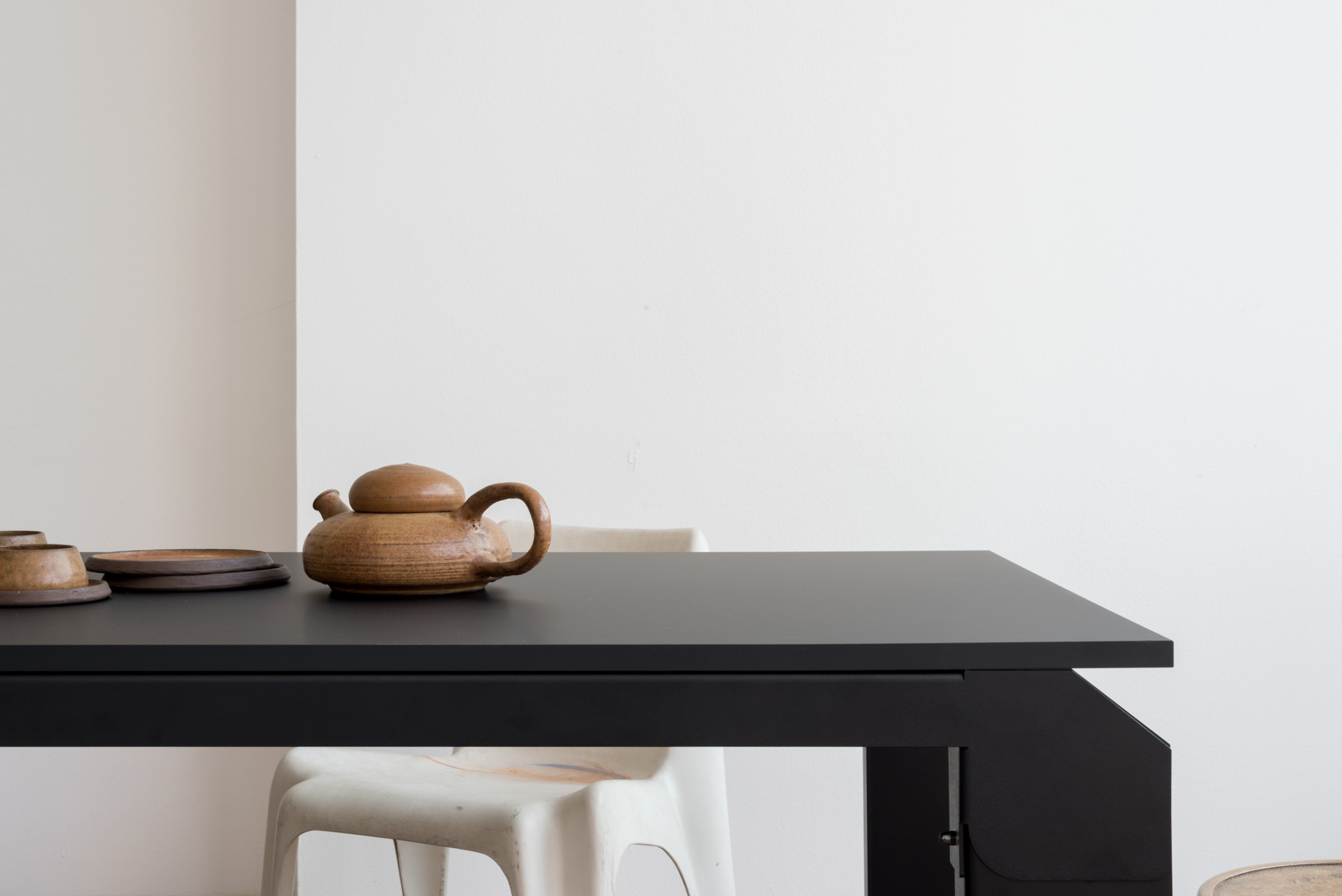 Novak Table: te verkrijgen met Kabelmanagement Victors Design Agency