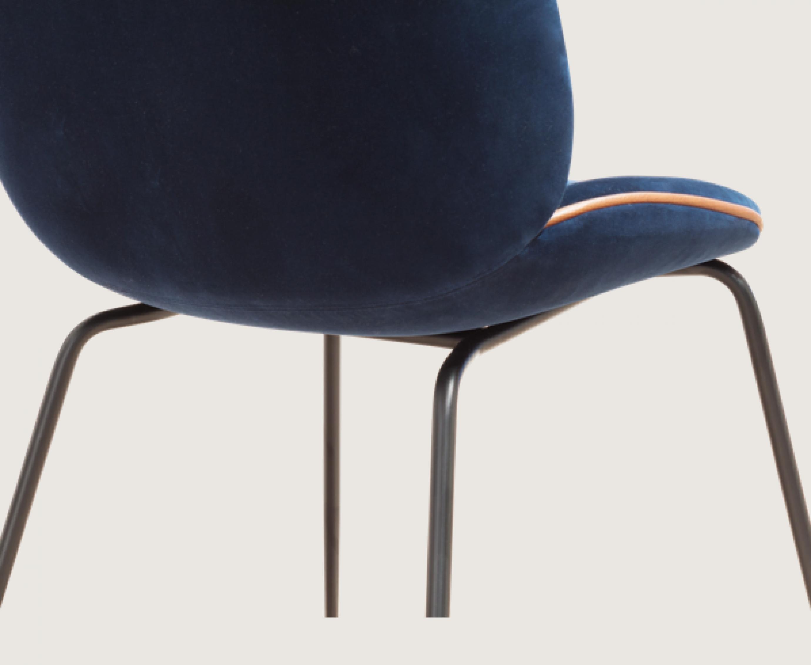 Beetle for life velvet - piping: brandy leather Victors Design Agency