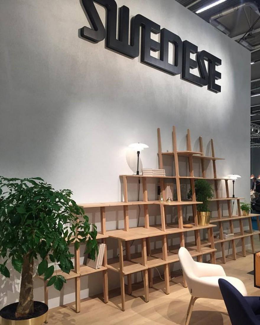 Swedese beursstand met LIBRI in eik