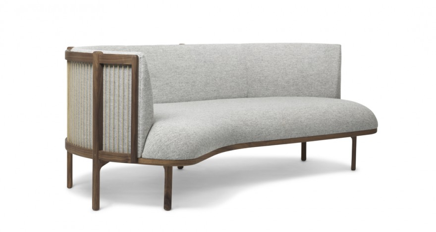Sideways sofa in notelaar