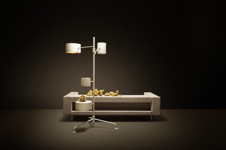 Statistocrat vloerlamp van Atelier van Lieshout: ambachtelijke producctie
