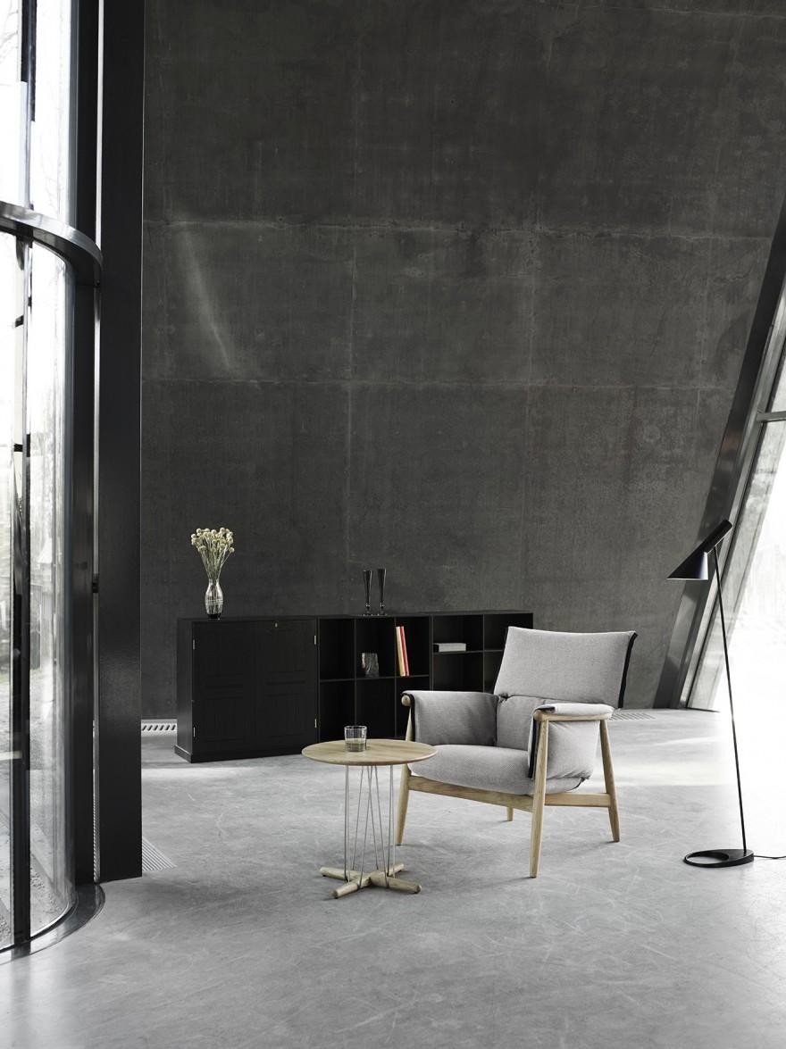 Embrace Lounge chair avec E021 Lounge Table