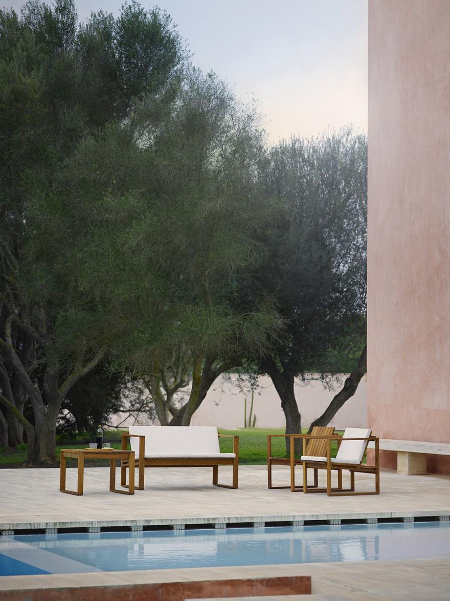 Strak hedendaags outdoor meubilair in FSC-gecertifieerde teak met Sunbrella kussens