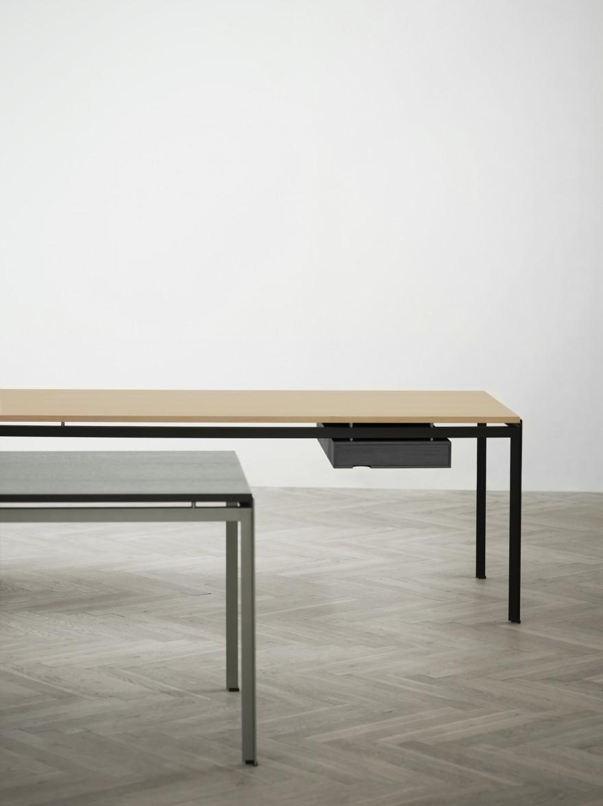 Student- & Professor table van Poul Kjaerholm: historisch design