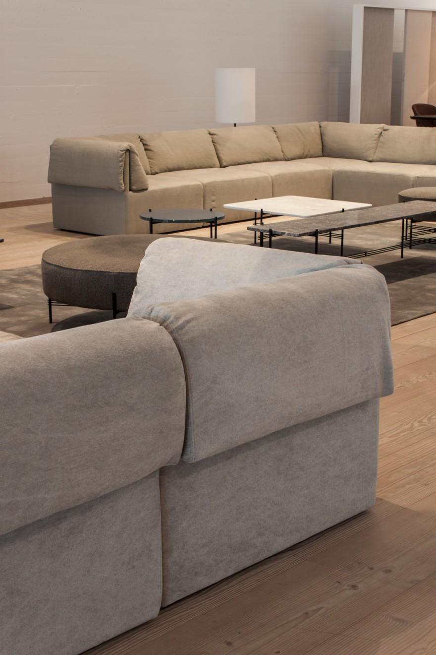Wonder Sofa detail achterzijde en voorzijde: GEEN extra zitkussens  vereistvereist...