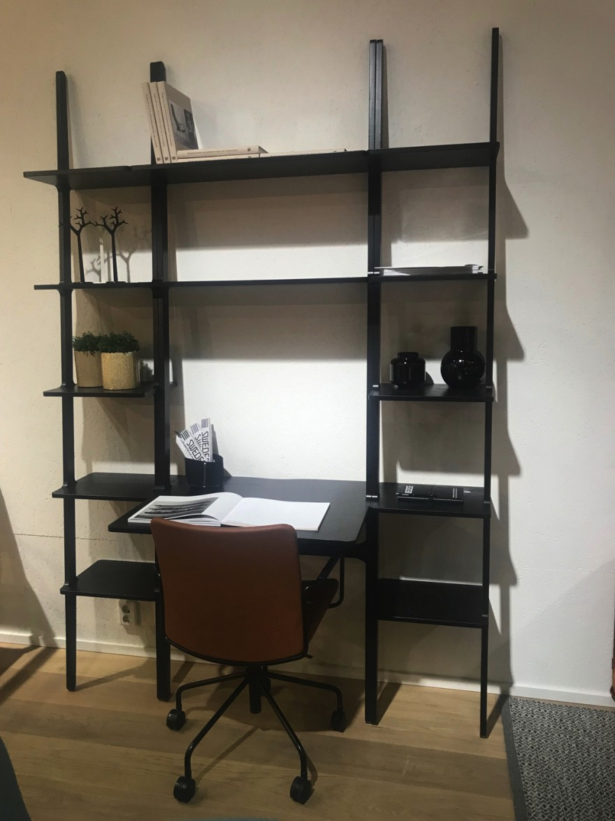 LIBRI wand opstelling, showroom Swedese, Zweden