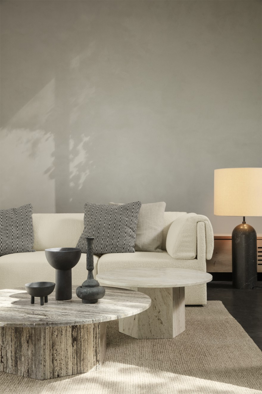 Wonder sofa, Epic cofee table, Gravity Florlamp - GUBI collectie 2020