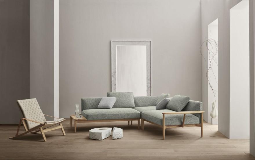 2021 : nouveauté dans la collection Carl Hansen & Son : canapé EMBRACE et chaise pliante PLICO