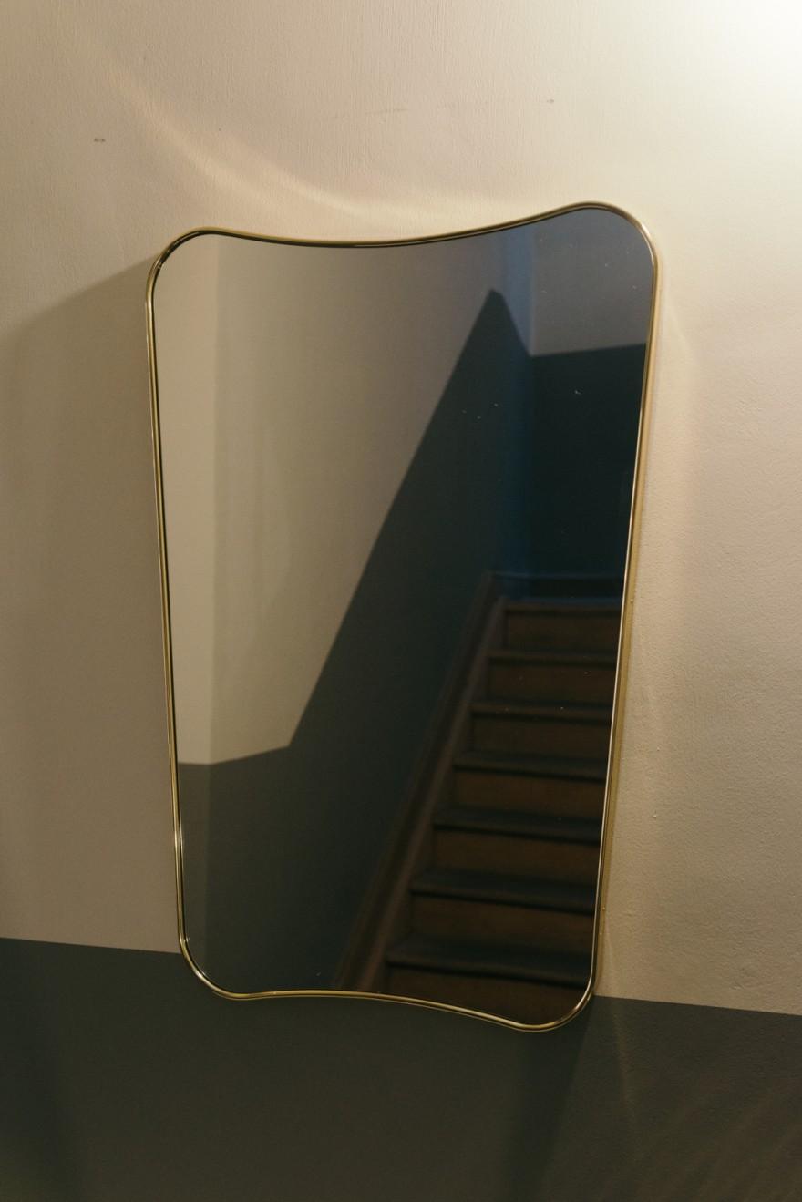 1933 design van Gio Ponti: iconische spiegel (ook in  zwarte messing) spiegel