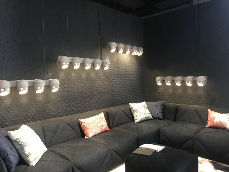 Milaan 2019: lancering van modulaire BFF sofa en The Party Chandelier