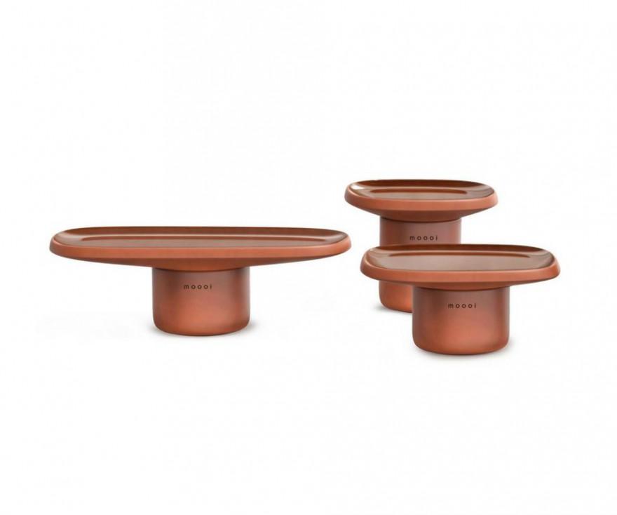 Obon: een collectie van 3 lage tafels in geglazuurde terracotta en kunststof