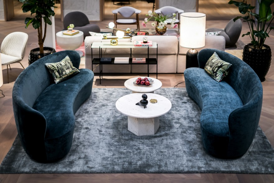 Stay Sofa Oval met Epic Coffee Tables