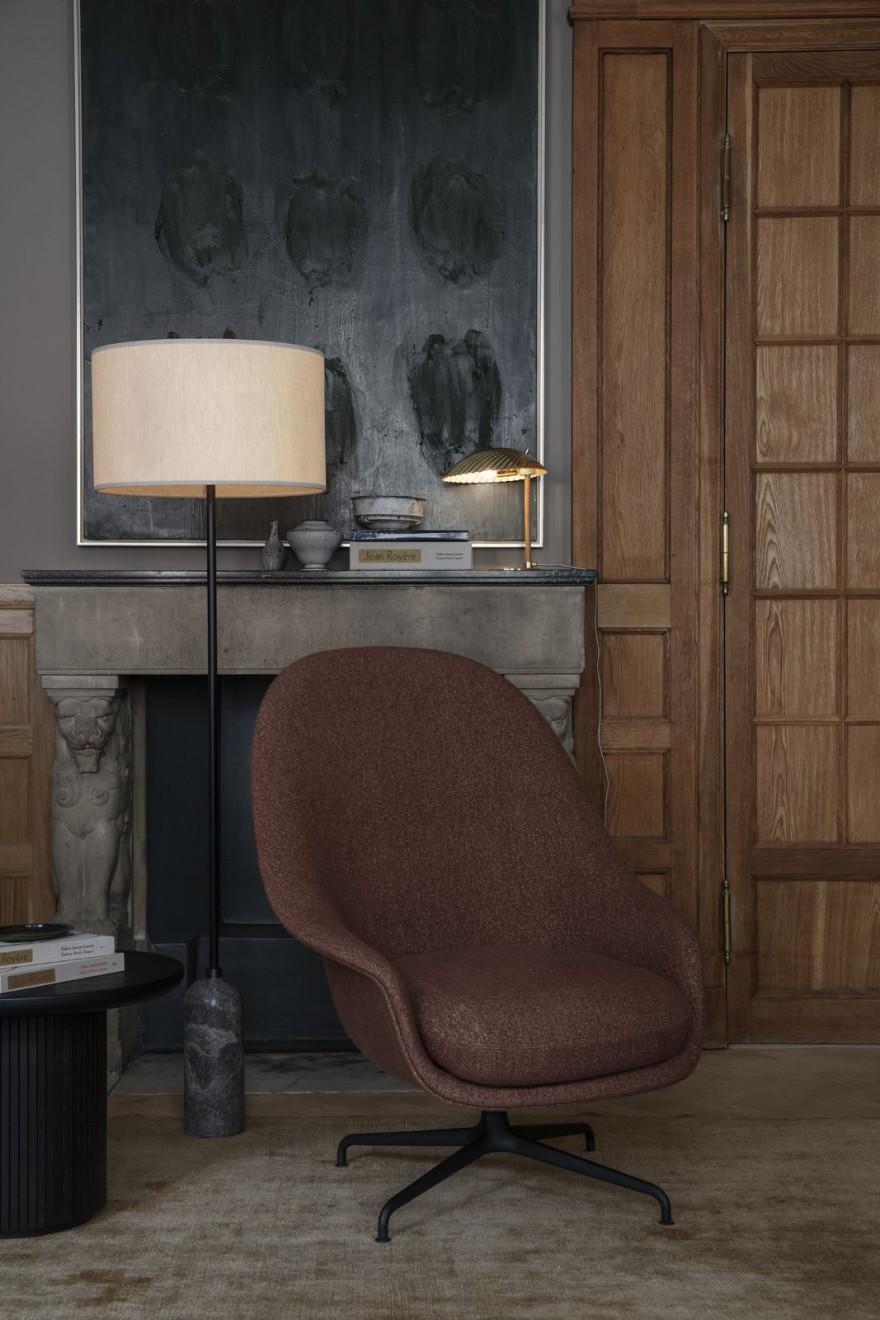 De BAT lounge chair met hoge rug en zitkussen: bijzonder comfortabel