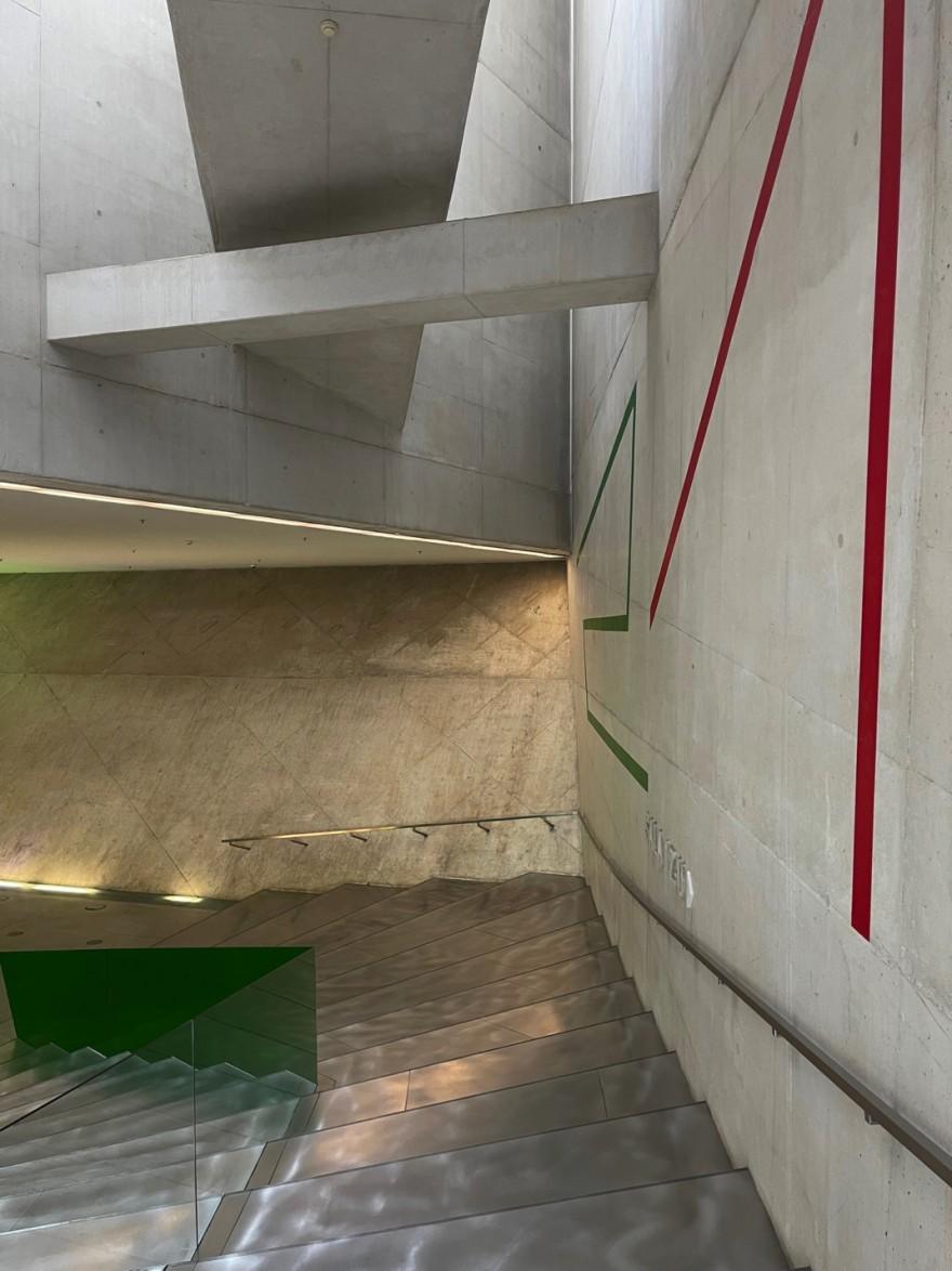 Ruimtelijkheid en transparantie in Casa da Musica, Porto