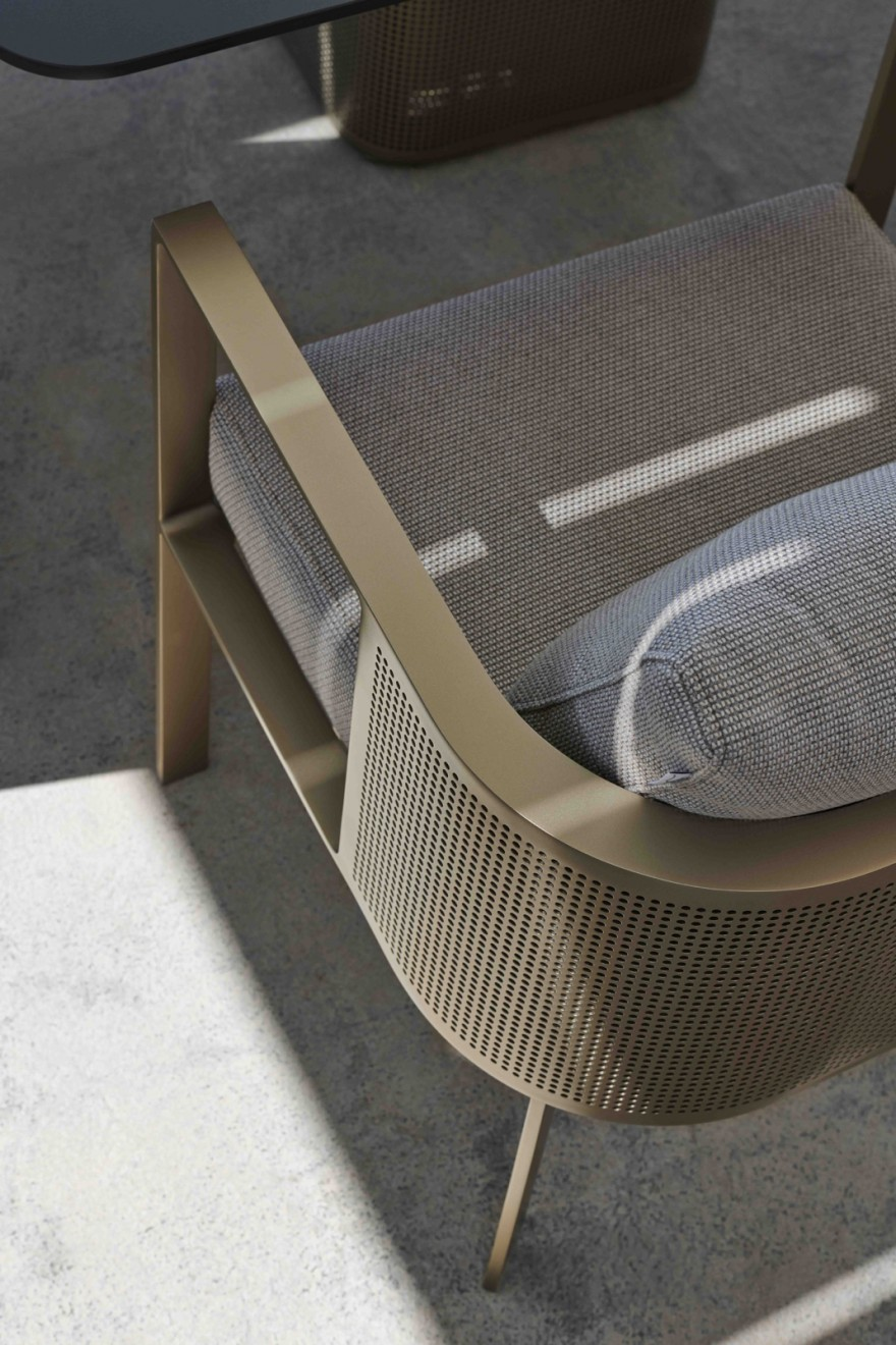 Detail Solanas Dining Armchair Gold