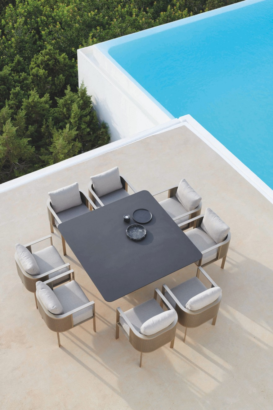Solanas Dining Table Gold