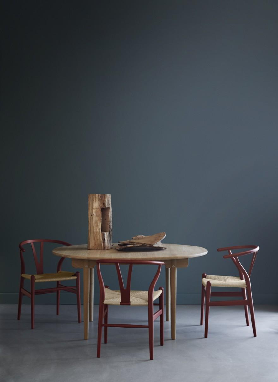 CH24 Soft Red en CH337 tafel