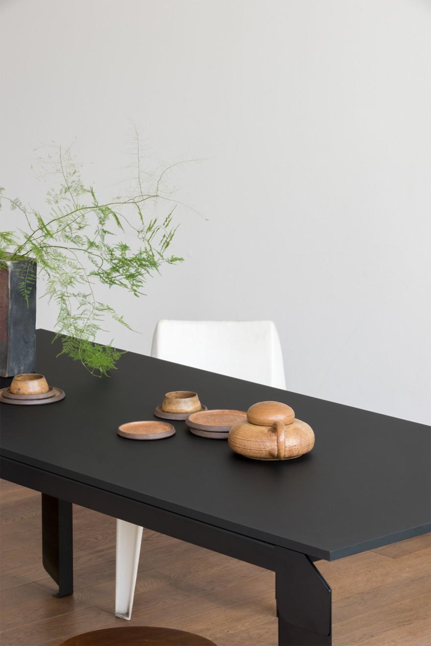 Novak Table: te verkrijgen in wit en zwart - andere kleur op aanvraag
