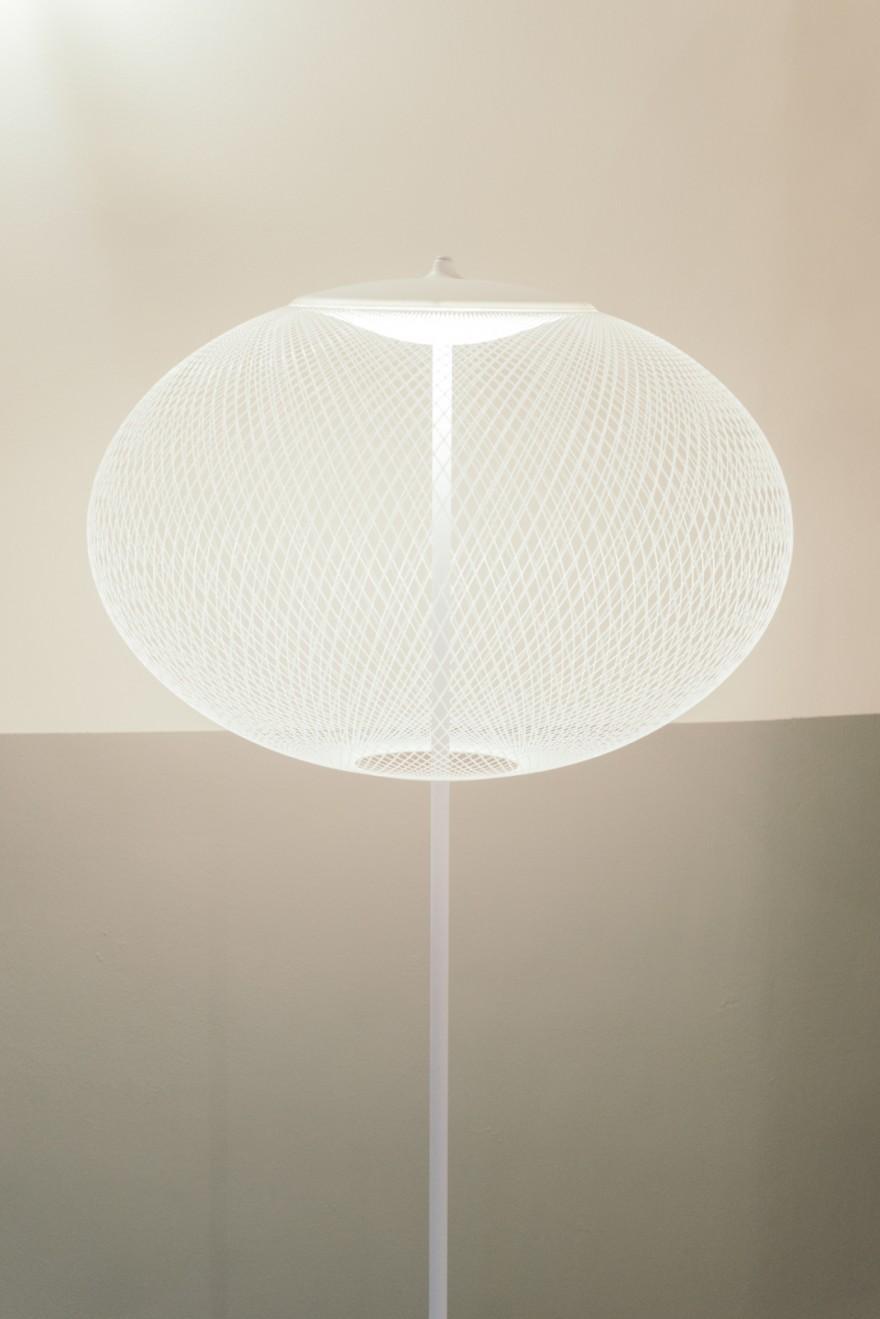 Non-Random wit, LED versie, vloerlamp MOOOI