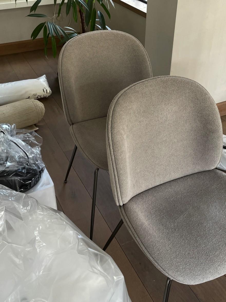 Gubi dining chair in light blouclé