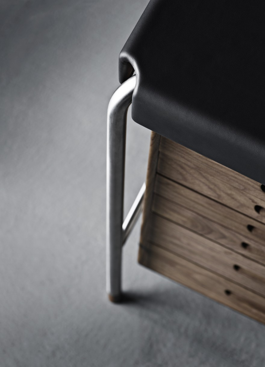 Detail writing desk - Arne Jacobsen - Carl Hansen & Son
