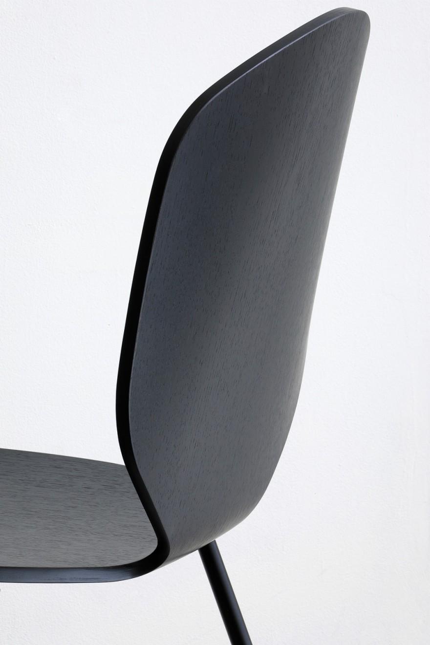 dossier de la chaise Loulou noir Victors Design Agency