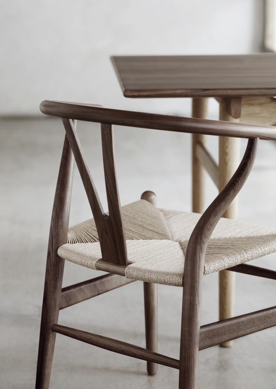 Ch24 Wishbone chair Victors Design Agency