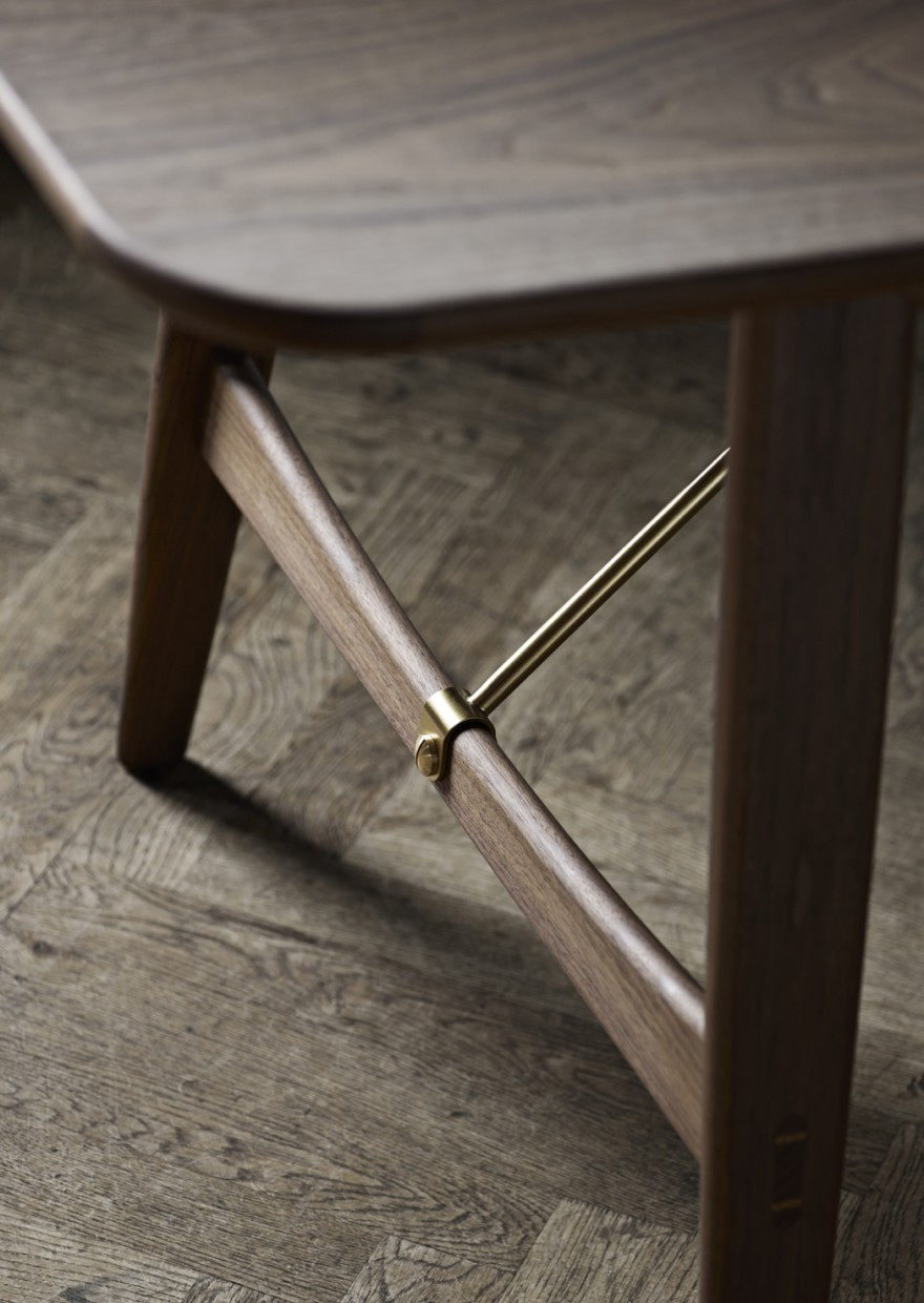 Detail Hunting Table - Carl Hansen & Son  Victors Design Agency