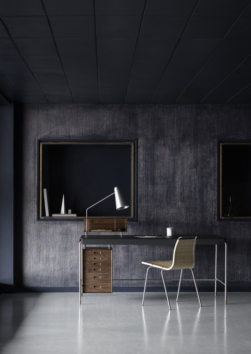 Society Table - Writing desk - Arne Jacobsen  Victors Design Agency